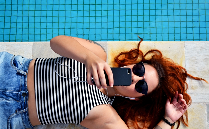 The One Social Media Habit That Will Make You Feel Better, NotWorse